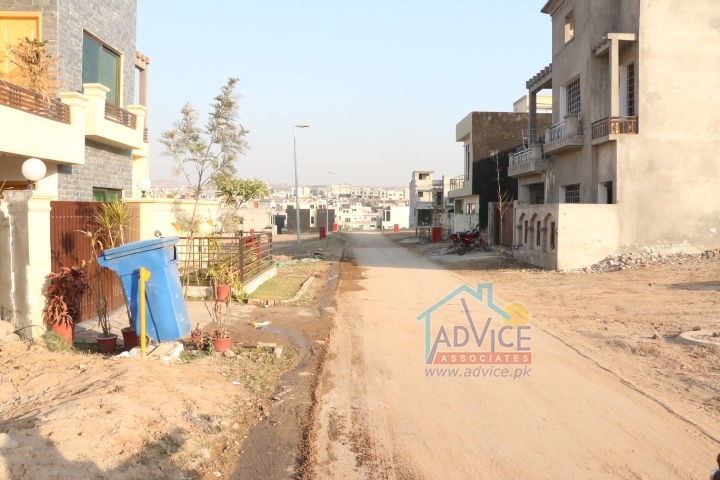5 Marla plot For Sale Bahria town