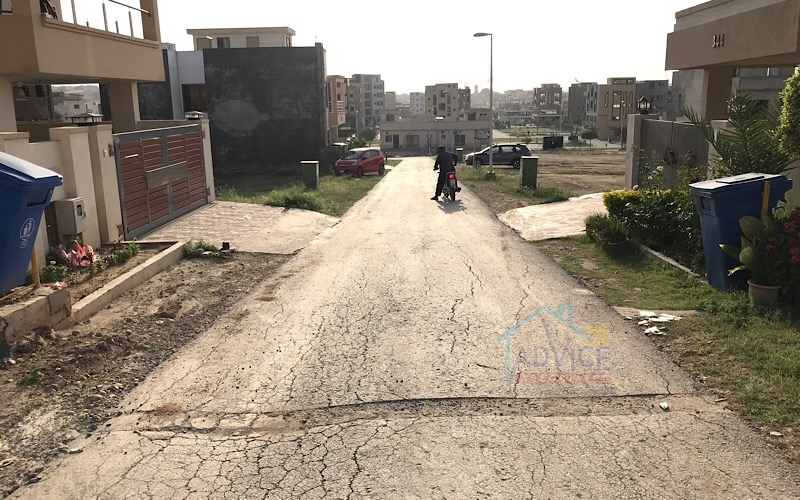 Safari Valley Umer Block 7 Marla Plot For Sale